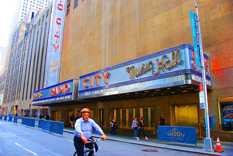 NY- Radio City Music Hall Christmas Spectacular