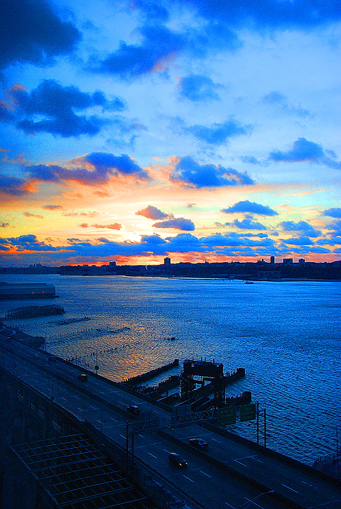 NY- Sunset over the Hudson River, New Years Eve 2008