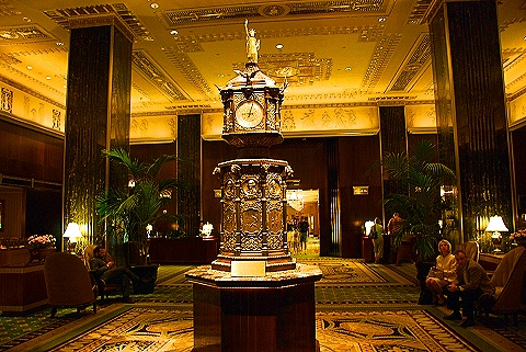 World s most unique hotel lobbies luxury travel for Unique hotels nyc