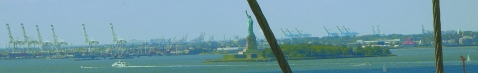 NY-Statue of Liberty from the Brooklyn Bridge-Panorama